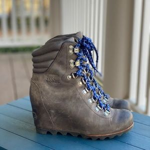 Sorel Conquest Wedge Boot Kettle / Aviation 7